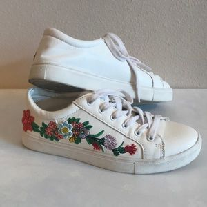 Steve Madden Marcelo White Embroidered Sneakers